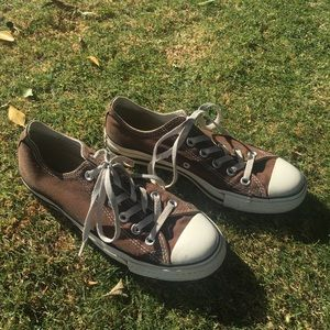 Vintage Brown Converse